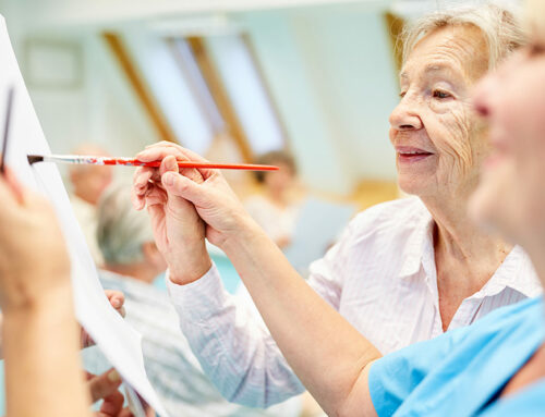 How Seniors Benefit From Art Therapy