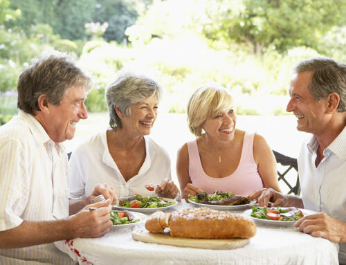 How to Easily Make Friends in Your New Senior Community